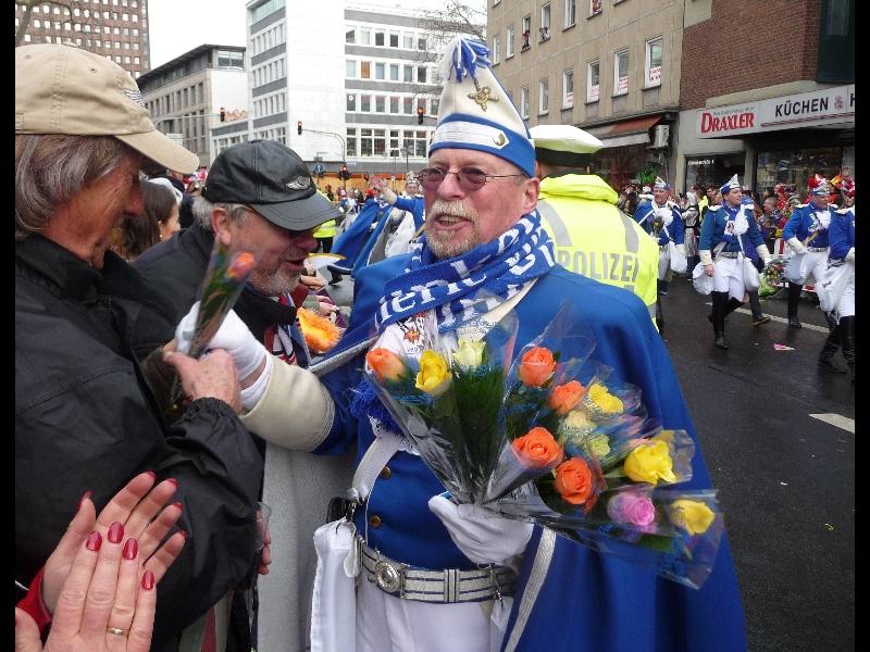 und ganz stolz ist unser Rolf dabei zu sein...