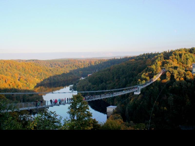 Hängebrücke über der Rappbodetalsperre