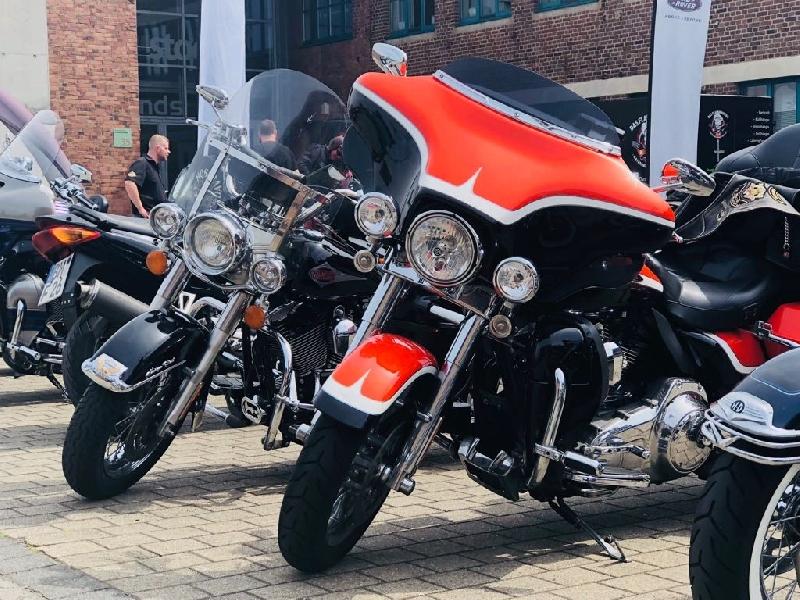 Die Harleys lachen auch